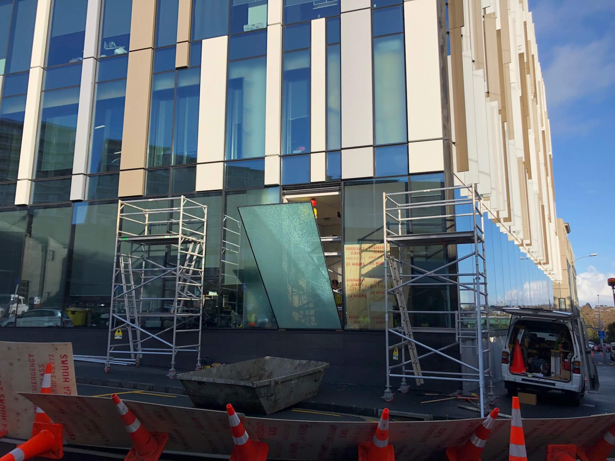 Commercial Glass Window Repairs Auckland